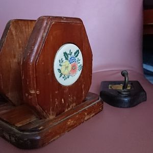 """Vintage wooden napkins holder 6"""" tall preowned"""